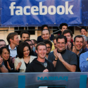 Facebook tests $1 fee for messages to non-friends - Yahoo! News
