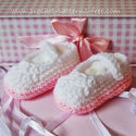 Free Crochet Pattern for Mary Jayne style crochet baby shoes