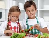 7 Ways to Help Children Develop a Healthy Relationship to Food