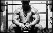 Trenbolone Half Life: Acetate and Enanthate Duration of Effects