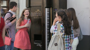 The Latest Crazy Vending Machine Has a Piano on the Side, and Gives You Free Drinks for Playing It