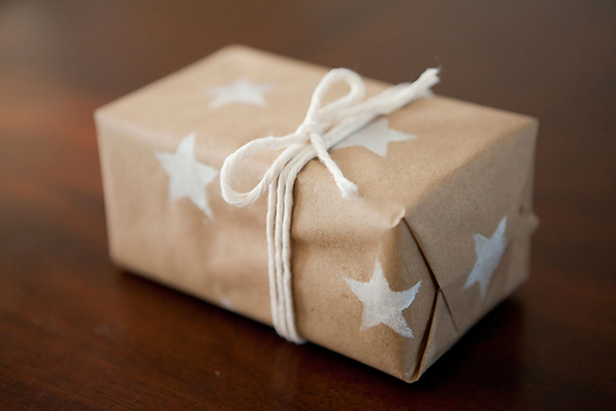 Headline for DIY Holiday: 10 DIY Ways to Wrap Your Gifts
