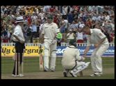 Ashes Cricket 2005 Freddy Flintoff shakes Brett Lee's hand