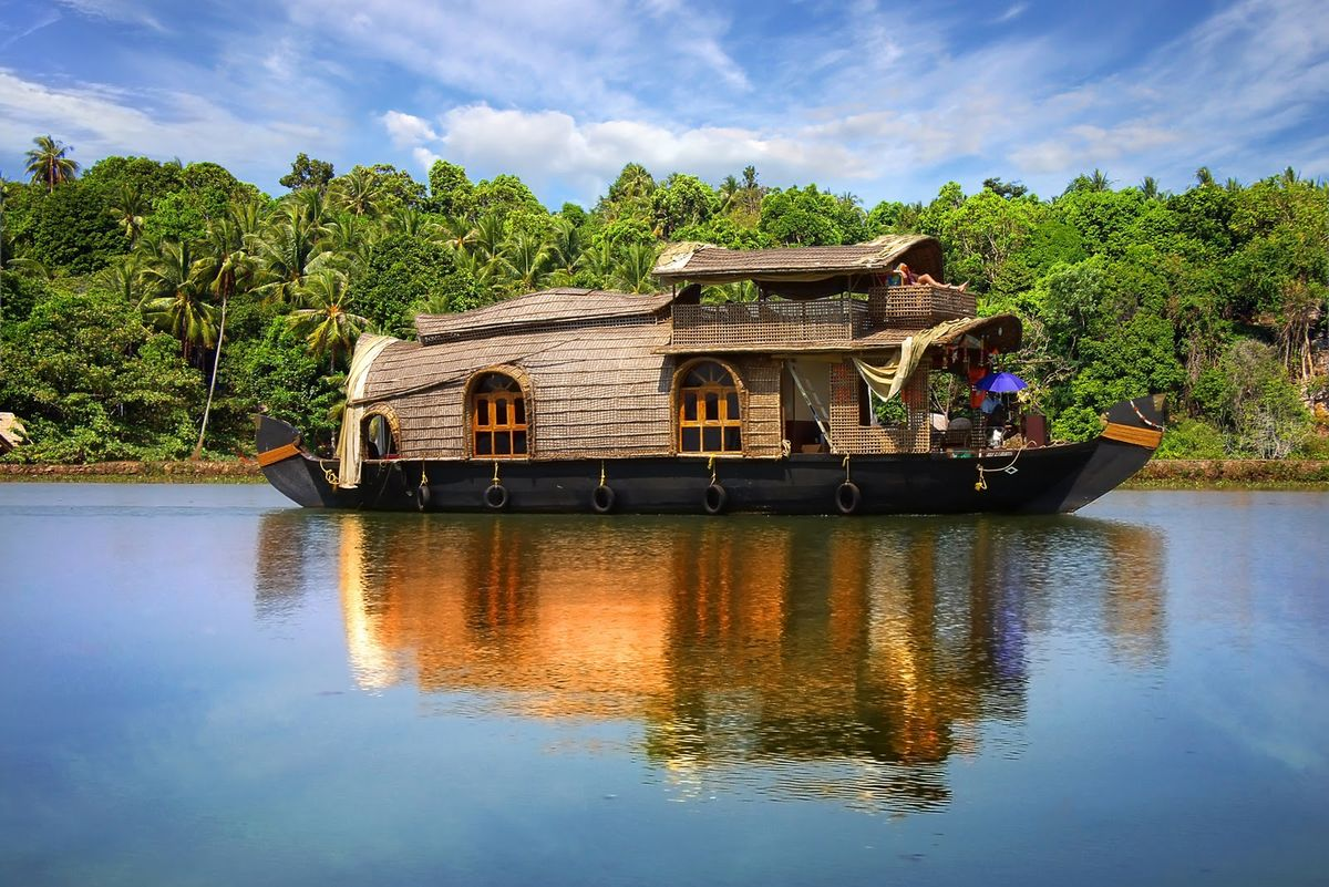 Headline for Must Visit Places in Kerala