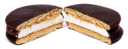 Moon pie - Wikipedia, the free encyclopedia