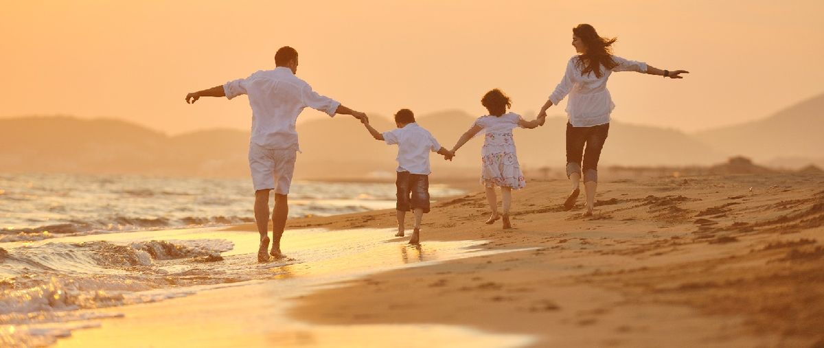 Headline for Top Travel Blogs - By Intrepid Families / Parents
