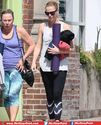 Glamorous Charlize Theron Flashes Sculpted Pins in Leggings after Yoga Class
