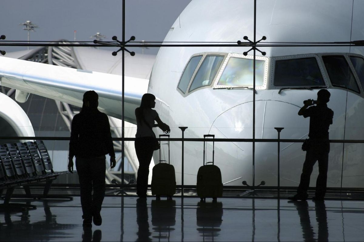 Headline for 7 Reasons to Hire Airport Transfer Services