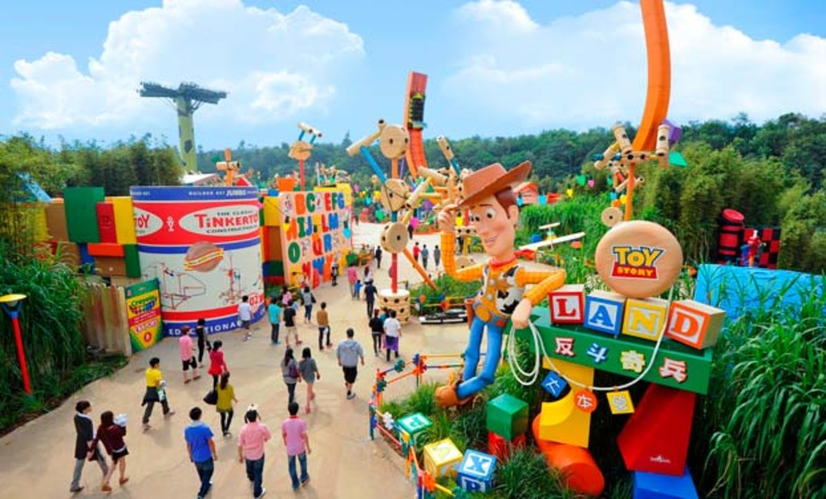 Headline for Attractions at Hong Kong Disneyland – A Fantasy World of Adventure