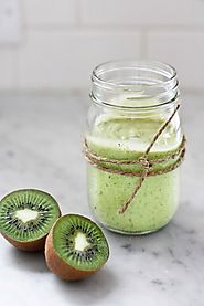 Avocado Smoothie with Kiwi and Lime