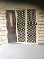 BRISBANE STACKER DOORS