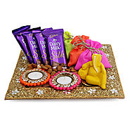 Gifts for Him and Her in India on GiftsbyMeeta