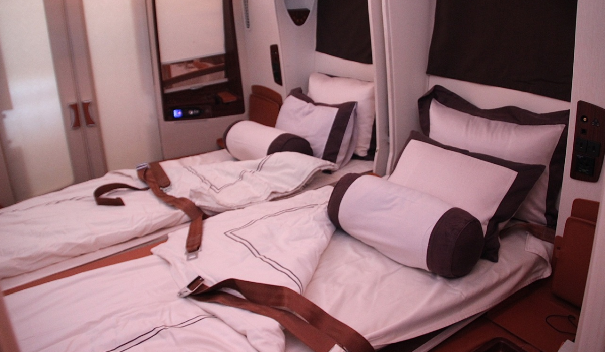 Headline for Double Beds, Dom and Givenchy in the Sky – Singapore Airlines Suites Review