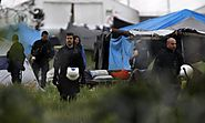 Idomeni: Greek riot police move in before dawn to clear refugee camp