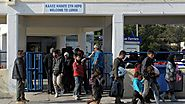 Volunteers leave Greek island after attacks on refugees
