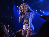 Beyonce tells fan: 'Put that damn camera down'