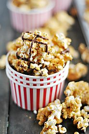 Easy Caramel Corn - Something Swanky
