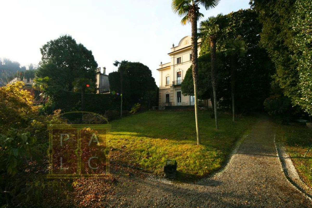 Headline for 10 Luxury Villas at Lake Como for Rent - Rental Property Lake Como