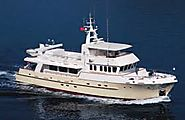 Private yacht charters for Vacations