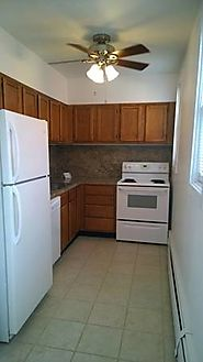 $1200 / 1br - 600ft2 - Minutes from Yale Medical, spacious 1 bedroom for August 1 (65 Dwight Street)