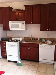 $1250 / 2br - 750ft2 - Modern 4 Room Apt. in New Haven Green Area, Avail. 6/1 (Elm St.)