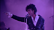Watch A Rare Video Of Prince Debuting A Longer Version Of 'Purple Rain' In 1983