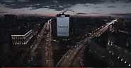 Samsung has a building-size Galaxy S7 Edge billboard in Russia