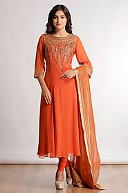 Up to 50% Discount On Designer Anarkali Suits by Satya Paul