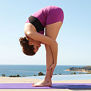 Lose weight naturally with these yoga poses - Davina Diaries
