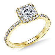 1.00 ct. tw. Princess Cut Diamond Halo Engagement Ring in 14K Yellow Gold