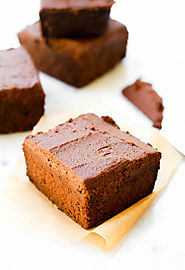Fudgy Low Fat Vegan Brownies {gluten-free & date-sweetened}
