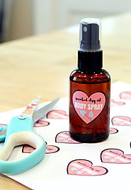 DIY Dry Oil Body Spray for Dry Skin + Free Printable Labels