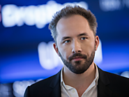 Dropbox crushes Wall Street expectations on earnings, but a key exec is stepping down and the stock is tanking (DBX)