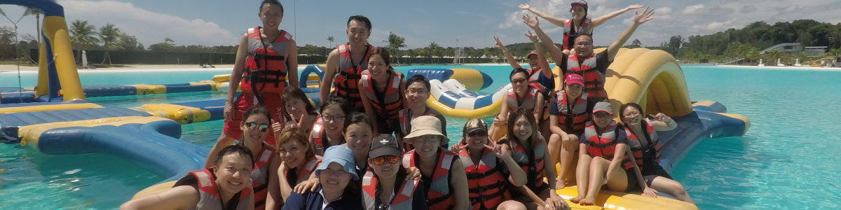 Headline for Explore a unique side of Singapore with Adventour's best private tours - perfect for families and friends!