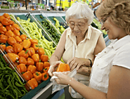 5 Tips to Make Grocery Shopping Easier for Your Aging Parents