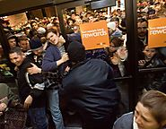 Back When Black Friday Meant Busting Actual Doors, Not Clicking - Bloomberg