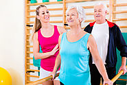 5 Ways Physical Therapy Benefits a Senior Loved One