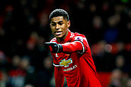 Marcus Rashford shows off keepy-uppy skills while seated in Dubai - Thewinin
