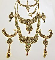 EXQUISITE JADAU KUNDAN MEENAKARI BRIDAL JEWELRY SET