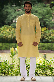 Buy Ethnic Kurtas Online Under 1999 | Manyavar.com