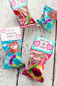Ring Pops With Valentine's Day Cards