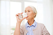 5 Hydration Tips: Healthy Drinking Habits for Grandparents
