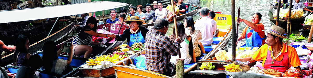 Headline for Most Popular Floating Markets in Bangkok – Unforgettable shopping experiences