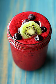 Immunity Boosting Triple Berry Kiwi Smoothie. - The Pretty Bee