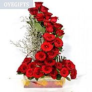 Send Blushing Roses Online Same Day Delivery - OyeGifts.com