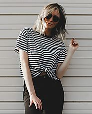 Stripe Knot Tee in Black And White | Tea Cups & Tulips