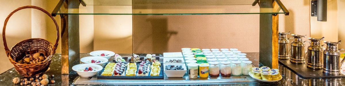 Headline for STAY HEALTHY ON THE ROAD! A Nutritionist's Tips for Navigating the Breakfast Buffet