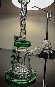 Website at https://www.delusion420.com/blank-2/green-diamond-exclusive-9-water-pipe