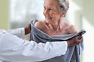 Helping Seniors with Bathing: 4 Things to Remember