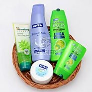 SKIN AND HAIR CARE HAMPER